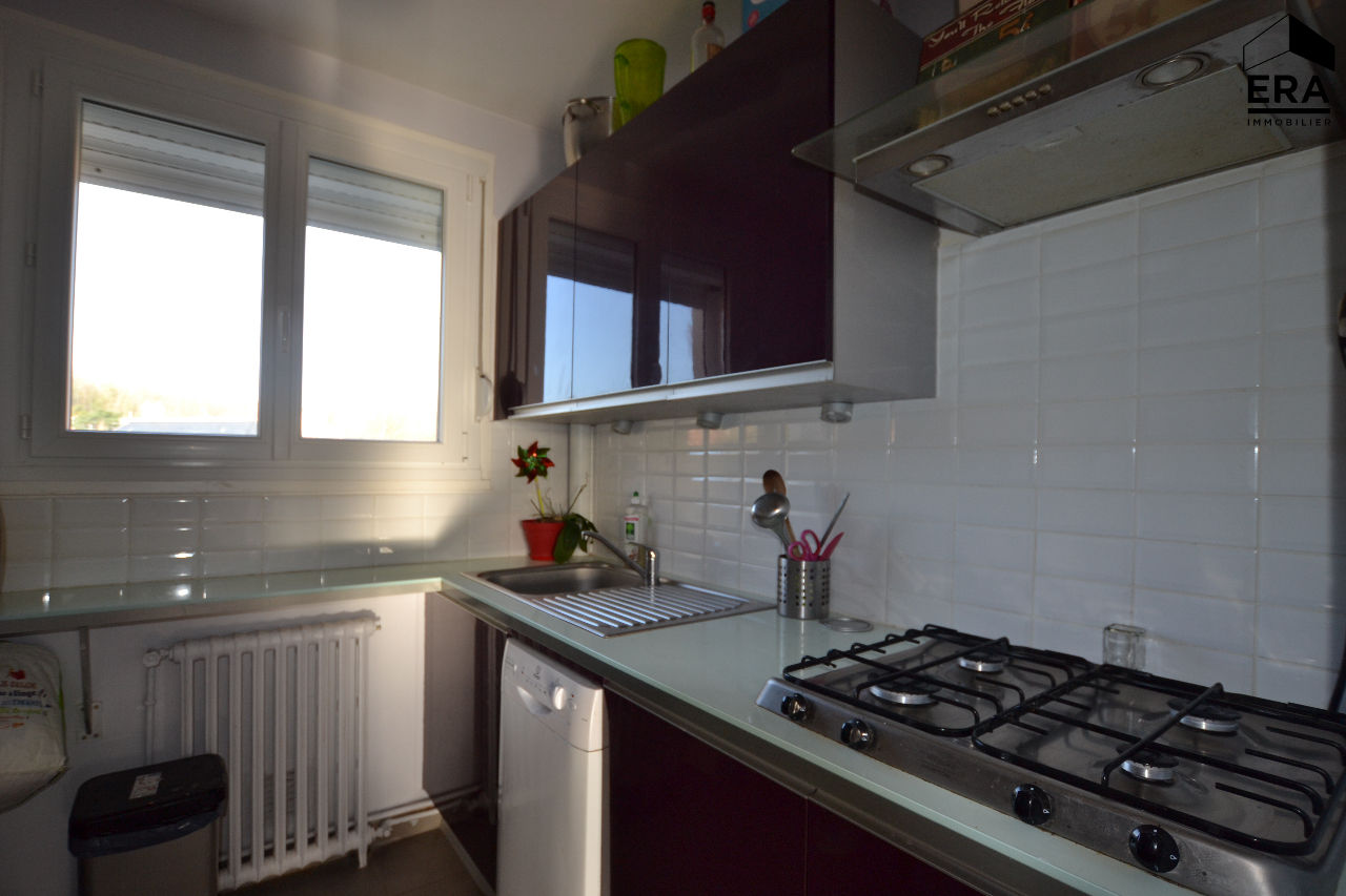 Appartement Epernon 3 pièce(s) 65 m2